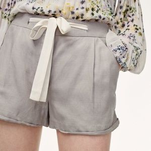 Aritzia Wilfred Allegra Shorts *Linen